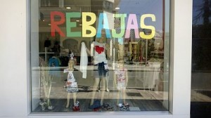 escaparates en rebajas