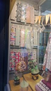 escaparate tienda de telas