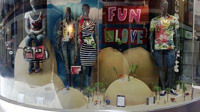 Verano escaparate con palmeras para maquetas blog - Ideas escaparates originales ...