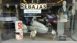 escaparates originales en rebajas