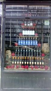 escaparate tienda de vino