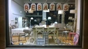 escaparate tienda de muebles
