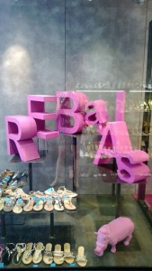 escaparates originales de rebajas