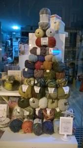 escaparates para tiendas de lanas