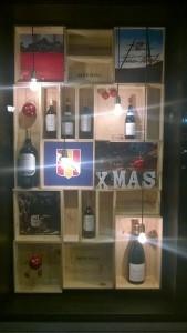 Navidad escaparate con cajas de madera blog escaparatismo - Como hacer un escaparate ...